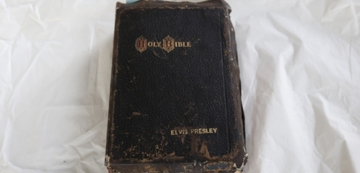 Bible Elvise Presleyho.