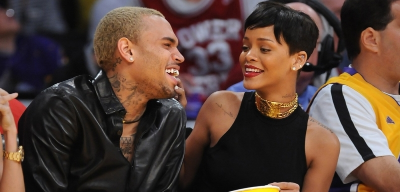 Rihanna a raper Chris Brown.