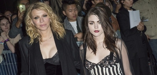Courtney Love a Frances Bean Cobain.