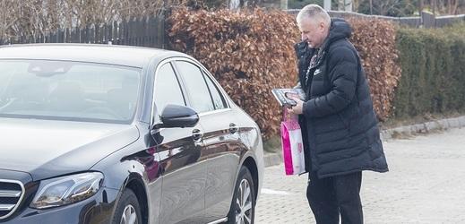 Jiří Kajínek přistižen u sexy moderátorky.