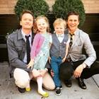 Neil Patrick Harris s manželem a dětmi.
