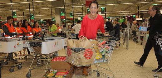 Lucie Křížková sbírala jídlo pro chudé!
