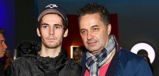 Martin Dejdar se synem.