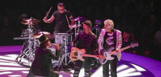 I po 40 letech je kapela U2 jednička.