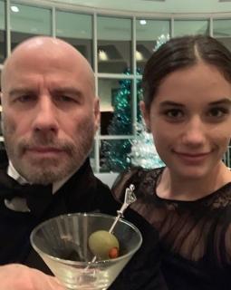 John Travolta vstoupil do nového roku plešatý.