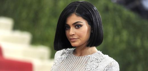 Kylie Jenner je nejmladší miliardářkou v historii. Na čem tak zbohatla?
