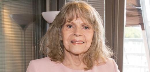 Eva Pilarová je po náročné operaci.