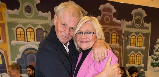 Laďa Kerndl s manželkou.
