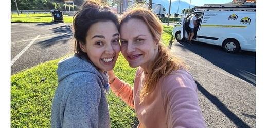Iva Pazderková s kolegyní Vandou Chalupkovou komentují náročnou dovolenou na Instagramu.