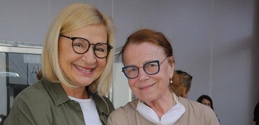 Letní dilema Jany Paulové a Ivy Janžurové.